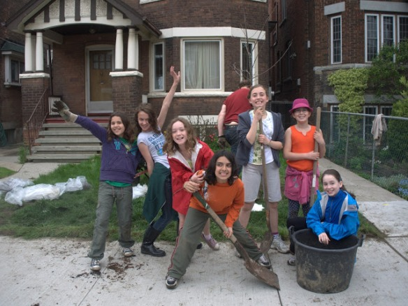 Friends pitched in to plant an oak tree at 106 Roncesvalles Avenue.